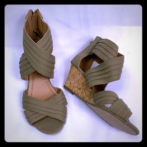 🍂 Maurices Criss Cross Cork Shoes 🍂